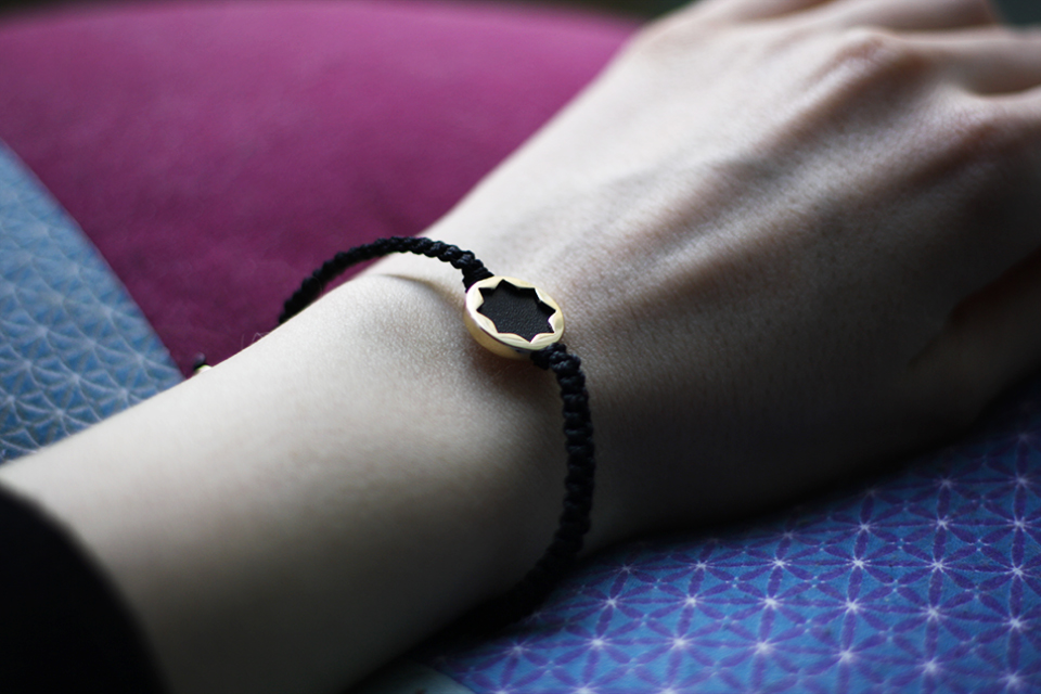 black-sun-bracelet-house-of-harlow-1960