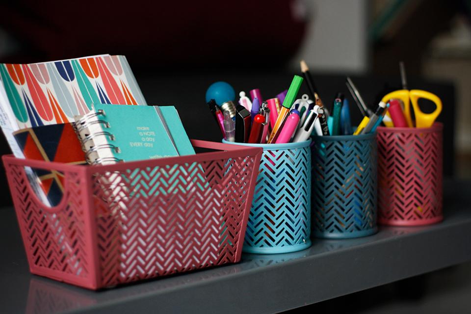 new-stuff-pots-a-crayon-corbeille-bureau-monoprix
