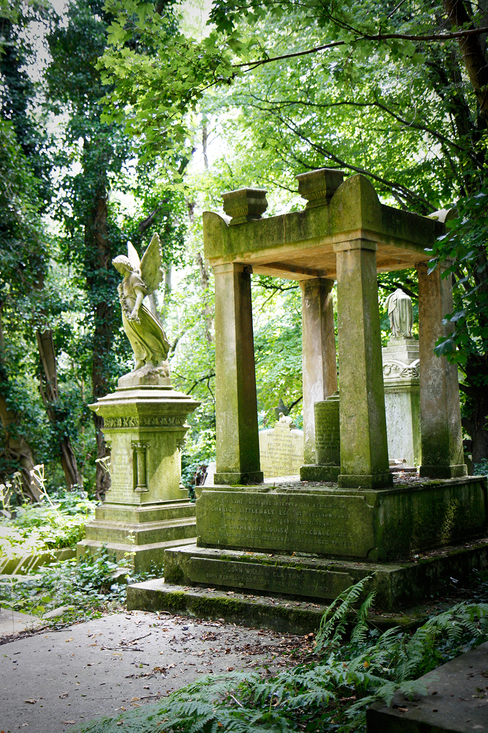 london-highgate-cemetery-west-9208-mod